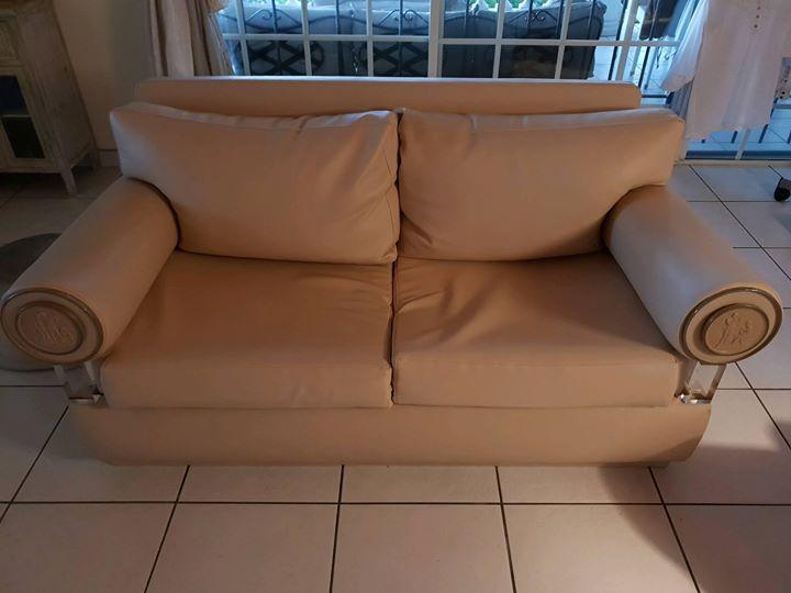 vends 2 canap s 2 places en sky beige rose big ce. Black Bedroom Furniture Sets. Home Design Ideas